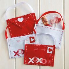 Current Catalog is a one-stop shop for the best Valentine Cards, Valentine's Day Gifts and Valentine's Decorations - unique Valentine Gifts are our specialty. Valentines Gifts For Her, Valentine Treats, Valentines Diy, Birthday Bag, Birthday Parties, Current Catalog, Treat Holder, Valentine Decorations, Treat Bags