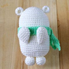 Get the free pattern and tutorial of a white Bubblegum Polar Bear Amigurumi. Pictures and instructions included along with the written crochet pattern.