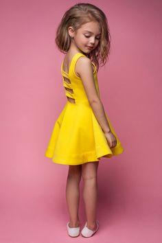 Kids Dress Wear, Kids Gown, Little Girl Outfits, Kids Outfits Girls, Little Girl Dresses, Baby Frocks Designs, Kids Frocks Design, Baby Dress Design, Baby Girl Dress Patterns