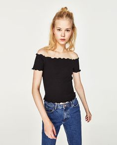 Image 2 of OFF-THE-SHOULDER CROPPED TOP from Zara