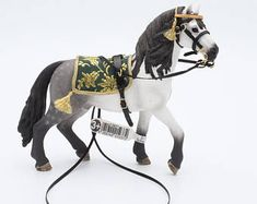 Handmade Bareback Saddle Pad with Bitless Bridle for Schleich Model Horses Chevaux Pferde Caballo Cavallo Schleich Horses Stable, Horse Stables, Horse Tack, Equestrian Boots, Equestrian Outfits, Equestrian Style, Equestrian Fashion, Bryer Horses, Types Of Horses