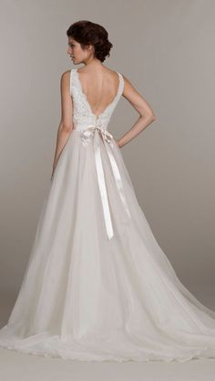MARIA - A-line V-neck Court train Organza Wedding dress