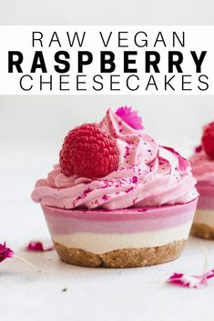 These raw vegan raspberry cheesecakes are easy, healthy and delicious for an afternoon snack or dessert! These raw vegan raspberry cheesecakes are easy, healthy and delicious for an afternoon snack or dessert! Raw Vegan Desserts, Raw Vegan Recipes, Vegan Dessert Recipes, Vegan Treats, Vegan Foods, Vegan Raw, Raspberry Recipes Healthy, Healthy Cheesecake Recipes, Raw Vegan Cheesecake