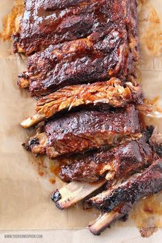 Easy Crock-Pot BBQ Ribs Learn how to make the easiest prep) fall-off-the-bone slow cooker ribs that will have everyone licking their fingers & plates! This is the best method for fixing bbq ribs if you don't own a smoker or it's cold outside. Slow Cooker Pork Ribs, Crock Pot Slow Cooker, Crock Pot Cooking, Slow Cooker Recipes, Beef Recipes, Cooking Recipes, Crock Pot Ribs, Cooking Ribs, Dump Recipes