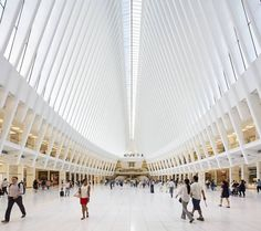Superb Photographs of World Trade Center Oculus  HuftonCrew studio dedicated to contemporary architectural projects photography made incredible shots of New-Yorks recent WTC Oculus. Inaugurated in 2016 the new structure substitues a former terminus destroyed during September 11th attacks. Santiago Calatrava the architect was inspired by birds flight esthetic to designed it. Beautiful pictures are to discover bellow.                #xemtvhay