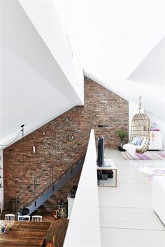 Usually the living room interior of the exposed brick wall is rustic, elegant, and casual. Exposed brick wall will affect the overall look of your house more appreciably. Style At Home, Exterior Design, Interior And Exterior, Interior Ideas, Room Interior, Modern Interior, Exterior Stairs, Interior Painting, Minimalist Interior