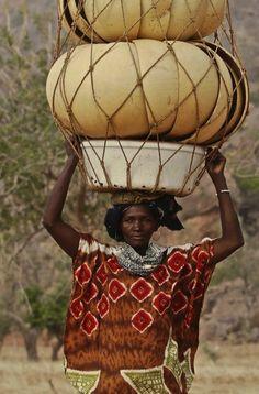 desert-dreamer:  Dogon woman, Mali