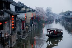 I love visiting the old canals of Suzhou, China Enchanting and I will never forget the experience Chinese Architecture, Ancient Architecture, Places To Travel, Places To See, Suzhou, Ancient China, China Travel, Italy Travel, Historical Sites