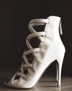 taylor tomasi hill's alaia wedding shoes