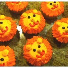 Lion cupcakes for a safari party!!