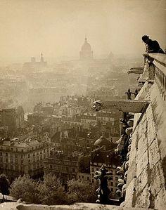 Notre Dame de Paris (1935)  Roman Vishniac (Russia, 1897 - 1990),