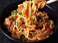 Noodles cu pui si legume | CAIETUL CU RETETE