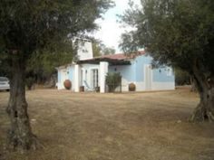 Uma casa dentro da quinta com um quarto.  Évora/Portugal  casadogovernador@zonmail.pt
