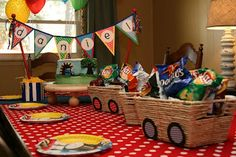 Train Party Ideas (Collection This collection of train party ideas by talented party planners, designers and mommas has plenty of inspiration for you when planning your train party. Thomas Birthday Parties, Thomas The Train Birthday Party, Trains Birthday Party, Birthday Party Decorations, Train Party Decorations, Table Decorations, Second Birthday Ideas, 3rd Birthday, Zug Party