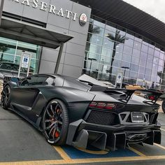 Matt Black Lamborghini parks in front of a Maserati showroom, ready to cruise with this nice car? Beautiful and nice automobile. High-end luxury sport cars Luxury Sports Cars, Best Luxury Cars, Sport Cars, Lamborghini Huracan, Maserati, Ferrari Laferrari, Bugatti, Mercedes Amg, Chevrolet Bel Air