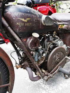 Moto Guzzi Falcone in the rough Vintage Cycles, Vintage Bikes, Vintage Motorcycles, Motorcycle Engine, Motorcycle Design, Classic Motorcycle, Chopper, Moto Guzzi Motorcycles, American Motorcycles
