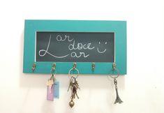 Deixe suas chaves sempre a mão e ainda decora a parede de entrada da sua casa;  …