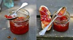 Když už opravdu nevíte co s rajčaty, které vám dozrávají na zahrádce, tak zkuste tento neobvyklý recept. Možná je to pro odvážlivce, ale výsledek…