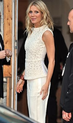 Stella McCartney- sleeveless lace top + white pants = fresh and sophisticated. (Shown on Gwyneth Paltrow)