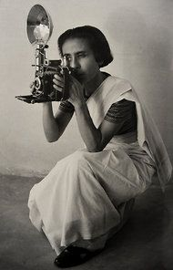 Homai Vyarawalla with her Speedgraphix camera. Photos courtesy: Homai Vyarawalla archive, Alkazi Collection of Photography Robert Frank, Girls With Cameras, Human Rights Issues, Vintage India, Portraits, Famous Photographers, Life Pictures, Vintage Cameras, Picture Collection