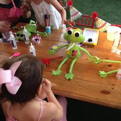 Oficina de bonecos de pano da Oficina Infantil.
