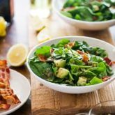 Fresh spinach salad with bacon recipe and a creamy avocado dressing. Bacon spinach salad recipe has a fantastic avocado vinaigrette with fresh lemon juice Bacon Spinach Salad, Spinach Salad Recipes, Salad Recipes For Dinner, Bacon Recipes, Healthy Salad Recipes, Bacon Avocado, Avocado Recipes, Juice Recipes, Avocado Vinaigrette