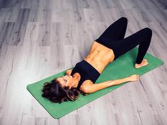 10 Mistakes To Stop Making In Pilates Class Pilates woman with abs – mistakes to avoid – womens health uk - 30 Days Workout Challenge Pilates Body, Pilates Reformer, Pilates Studio, Yoga Pilates, Beginner Pilates, Pilates Instructor, Yoga Gym, Yoga Fitness, Lean In 15