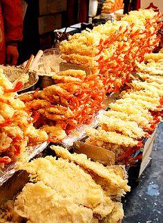튀김 TWEEGIM (FRIED FOODS): Glorious fresh fried seafood assortments in the markets of 강원도 Gwangwon-do (Gwangwon Province), South Korea.  South Korean Street food