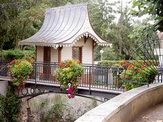 flower boxes Atech - bridge deocr Flower Boxes, Flowers, Gazebo, Cities, Bridge, Outdoor Structures, Urban, Space, Decor
