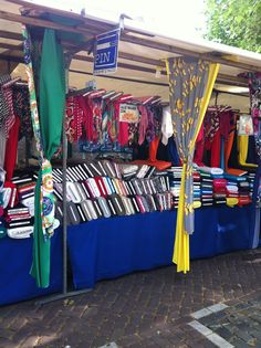 Outdoor markets are a long lasting tradition all over Europe, including the Netherlands. The Fabric Market shown here is located in Utrecht. It is the oldest market in the Netherlands. Utrecht, Holland, Amsterdam Shopping, Kingdom Of The Netherlands, Red Light District, Eindhoven, Best Cities, Trip Planning, Dutch