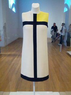 YSL Mondriaan dress at the Rijksmuseum https://www.rijksmuseum.nl/nl/collectie/BK-2011-58