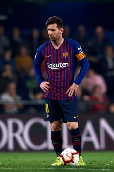 Lionel Messi of Barcelona in action during the La Liga match between Villarreal CF and FC Barcelona at Estadio de la Ceramica on April 2019 in Villareal, Spain (Photo by Jose Breton/NurPhoto via Getty Images) Cristiano Ronaldo Lionel Messi, Messi And Ronaldo, Messi 10, Neymar, Lionel Messi Barcelona, Barcelona Soccer, Best Football Players, Soccer Players, Real Madrid Logo