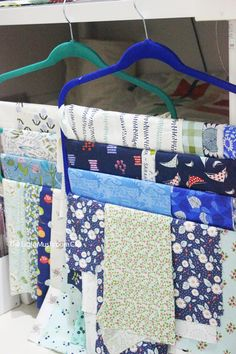25 organizing ideas for sewing room - The Little Mushroom Cap: A Quilting Blog Ikea Sewing Rooms, Small Sewing Rooms, Sewing Room Storage, Sewing Room Organization, Craft Room Storage, Fabric Storage, Organizing Ideas, Bobbin Storage, Craft Rooms