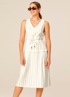 Gota, Ideias Fashion, Summer Dresses, Products, Stripe Print, Business Professional Dress, Openness, Yarns, Creature Comforts