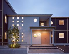 パナソニック耐震住宅工法テクノストラクチャーで建設されたアパート:エントランス夜景