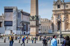 Bazilica Sf. Petru din Vatican  Bazilica Sf. Petru din Vatican, mai mult decât o catedrală - galerie foto.  Vezi mai multe poze pe www.ghiduri-turistice.info Vatican, Sf, Street View, Vatican City