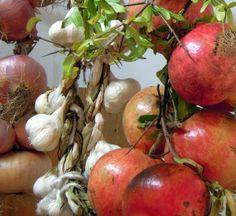 Cipolla Melagrana Aglio 300x275 IL CIBO DELLUOMO Aglio, Pear, Apple, Fruit, Food, Medicine, Apple Fruit, Essen, Meals