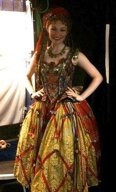 Gypsy Costumes For Women Renaissance Gypsy, Renaissance Fair Costume, Bohemian Gypsy, Gypsy Style, Bohemian Style, Gypsy Costume, Bohemian Costume, Nice Dresses, Gypsy Dresses