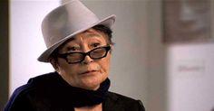 O EMPENHO: Yoko Ono choca repórteres ao declarar: ''Eu tive u...