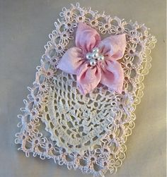 Tatting!! What a beautiful art bracelet necklac, necklac bracelet, jewelry necklaces, art, bracelet ring, tattingjewelri bracelet, book covers, beauti, antiques