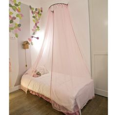 1000 images about lit baldaquin enfant on pinterest canopy beds petite fille and comment. Black Bedroom Furniture Sets. Home Design Ideas