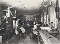 Picture from the Palmgrens workshop in the early 1920's.