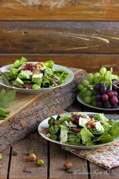 herbstlicher Trauben-Käse-Salat  http://madam-rote-ruebe.blogspot.de/2015/09/herbst-bunte-blatter-dann-bitte-auch.html