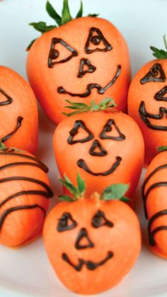 Chocolate Covered Strawberry Pumpkins How-To