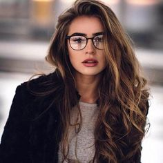 Thick streaks beauty tips + hair photography women, girl photos, girl photo Cute Glasses, Girls With Glasses, Women In Glasses, Circle Glasses, Hair Photography, Photography Women, Photography Business, Fashion Photography, Gorgeous Hair Color