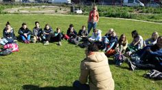 Students from the Vechtstede College in the city of Weesp visiting Kavel HOTPOTter Fedor tells them how solar panels work. How Solar Panels Work, In The Heart, Primary School, Playground, Dolores Park, Students, College, City, Children Playground
