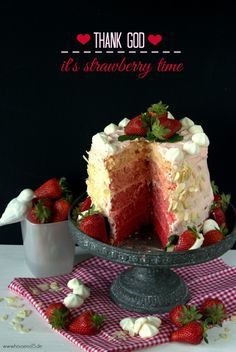 House No. 15 | Ombre Cake {Thank god it's strawberry time} | http://houseno15.de