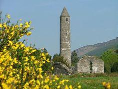 Irish Monasteries You Should Not Miss: Glendalough - County Wicklow Castles In Ireland, Ireland Homes, Irish, Building, Travel, Voyage, Irish People, Buildings, Viajes