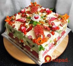 Sandwich Cake, Tea Sandwiches, Good Food, Yummy Food, Salty Cake, Food Decoration, Food For A Crowd, Savoury Cake, Snack