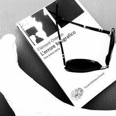 Ogni rilettura una nuova rivelazione.  #photography #reading #book #puntaala #beach #noir #monochromatic #bw #blackandwhite #igersbnw #insta_bw #instagood #bw_society #bnw #bw_crew